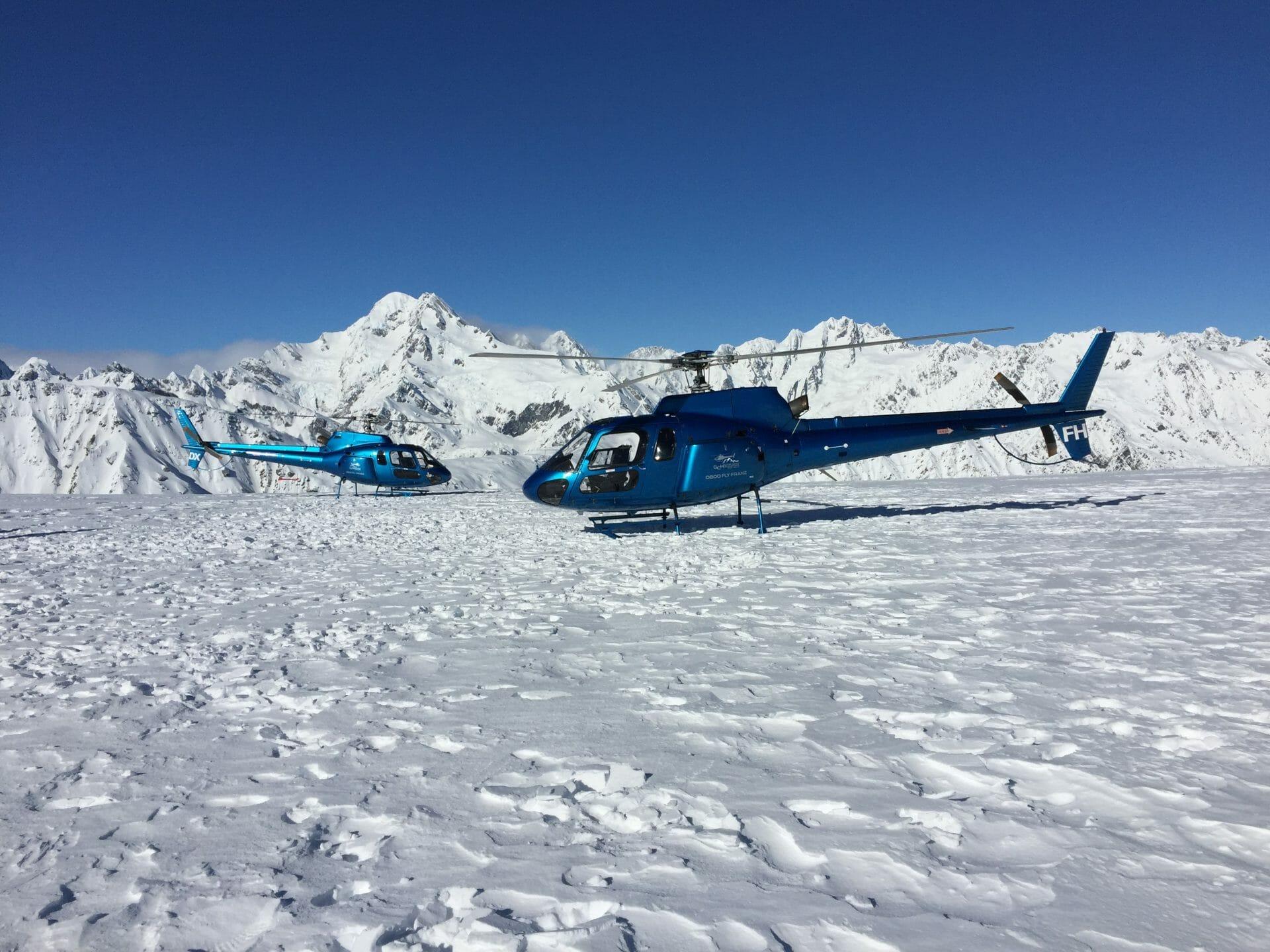 2 blue AS350 B2